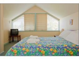 riverhouse-master-bedroom.jpg