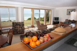 easternsands_livingroom_view900.jpg
