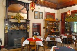 dining_fireplace.jpg