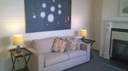 thegatehouse-livingroom.jpg