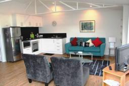 garden-pavilion2-openplan-living-kitchen.jpg