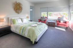 Villa-Moyne-accommodation.jpg