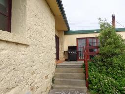 CarletonInn-BBQ-facilities800.jpg