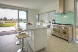 Villa-Moyne-kitchen.jpg