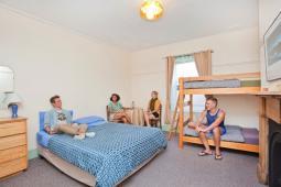 PFYHA-familyroom-copyrightYHA-com-au.jpg