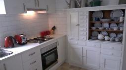 thegatehouse-kitchen.jpg