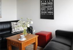 chequers-townhouse-livingarea.jpg