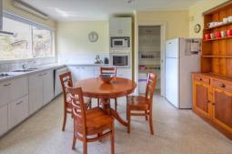 cottagewatson-kitchen.jpg