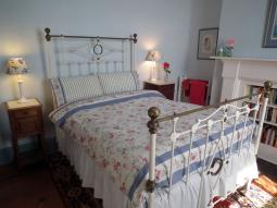 sywnymor-bedroom2012.jpg