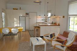 kitchen_lounge-wharfcottage.jpg