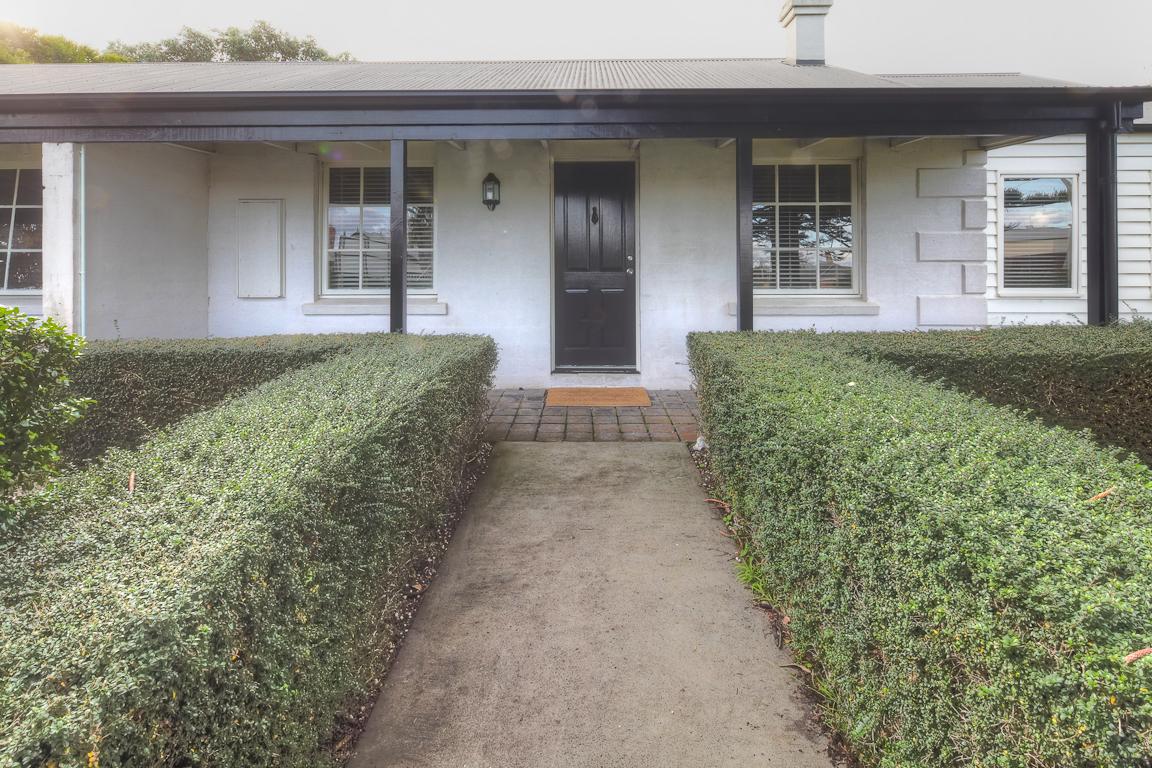 Regent-Cottage-front.jpg