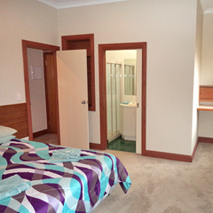 economy-room-accommodation400.jpg